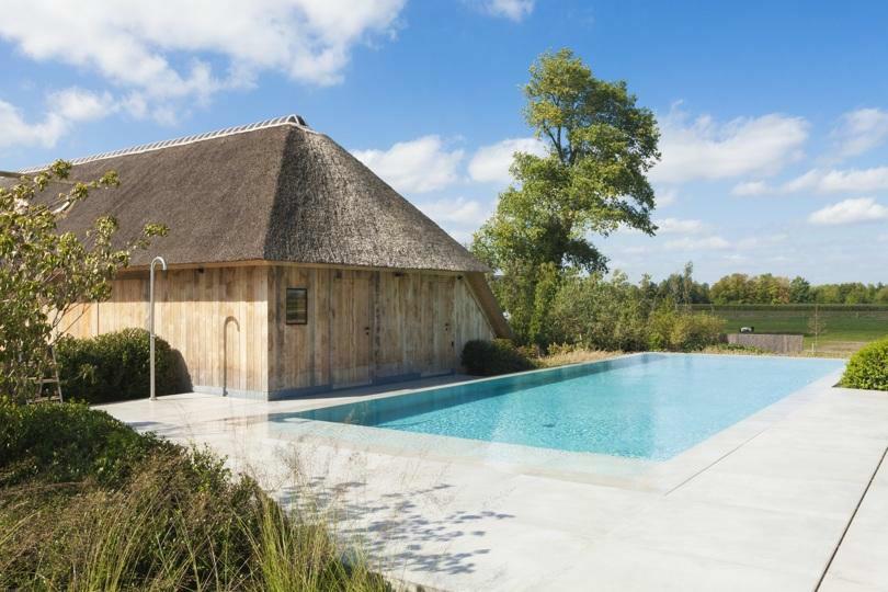 Ben je fan van design of heb je een moderne stijl? Overloopzwembaden kunnen een moderne uitstraling