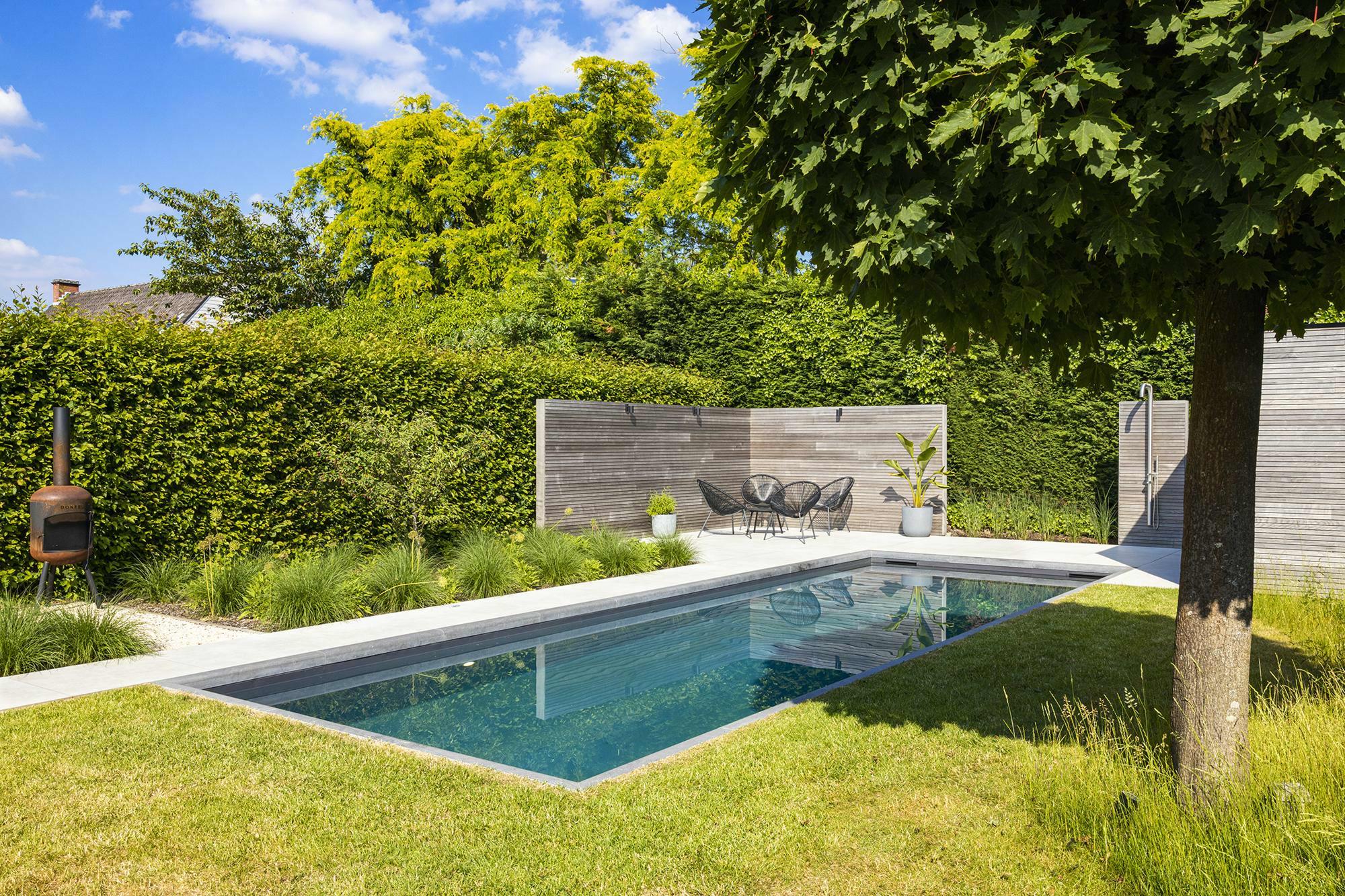 Betonnen zwembad in Gent