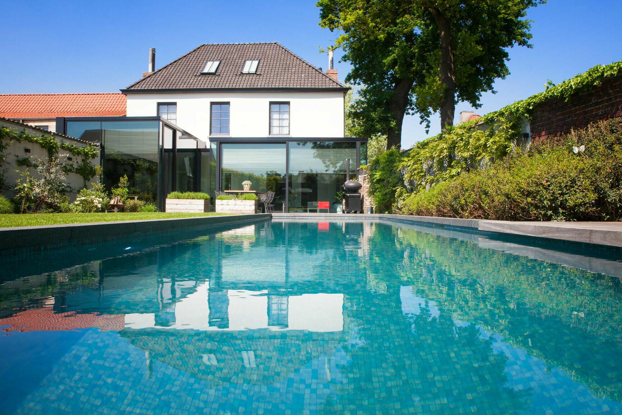 Betonnen zwembad in Beernem