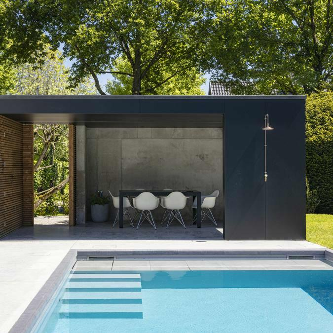 Totaalconcept - zwembad / poolhouse / tuinAfmetingen: 10 x 4 x 1,5 mBekleding: lichtgrij
