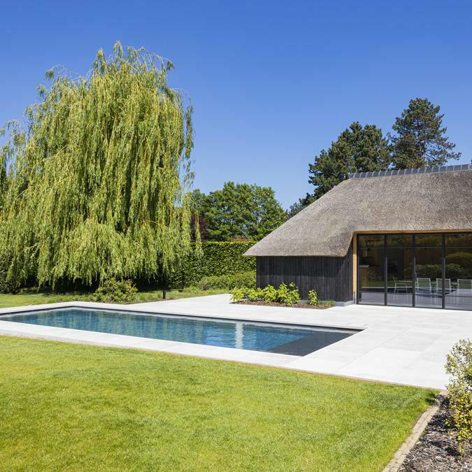 Totaalconcept - zwembad / poolhouse / tuinAfmetingen: 12x 4 x 1,5 mKleur: donkergr