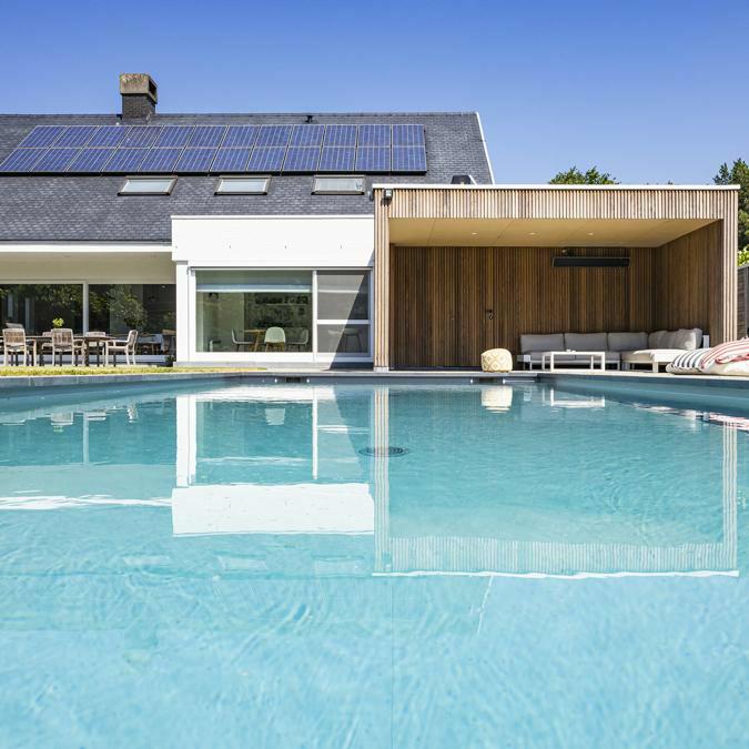 Totaalconcept - zwembad /tuinAfmetingen: 11x 4 x 1,5 mBekleding: lichtgrijze